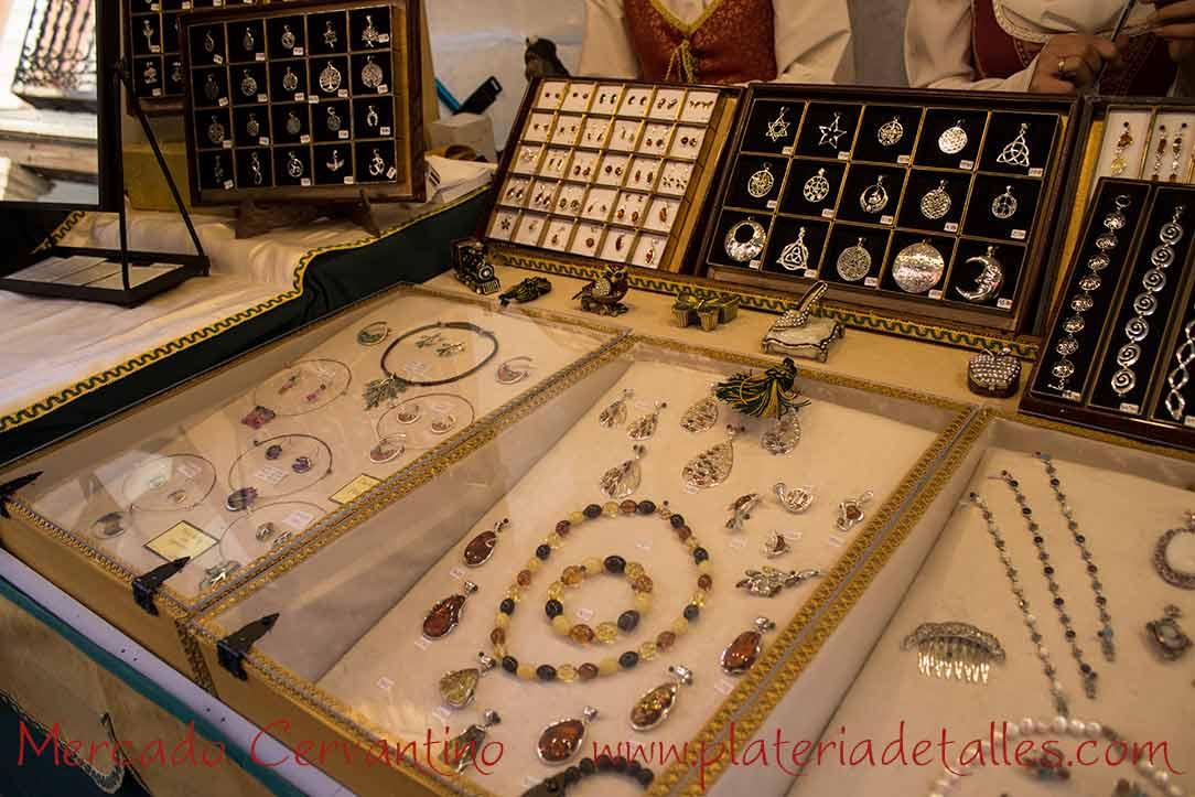 detalles joyas hechas a mano